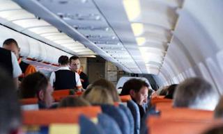 Alasan Kursi Pesawat Wajib Tegak Saat Mendarat