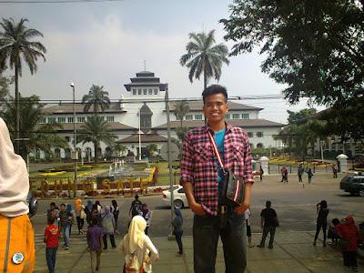 Tersesat Di Kota Bandung