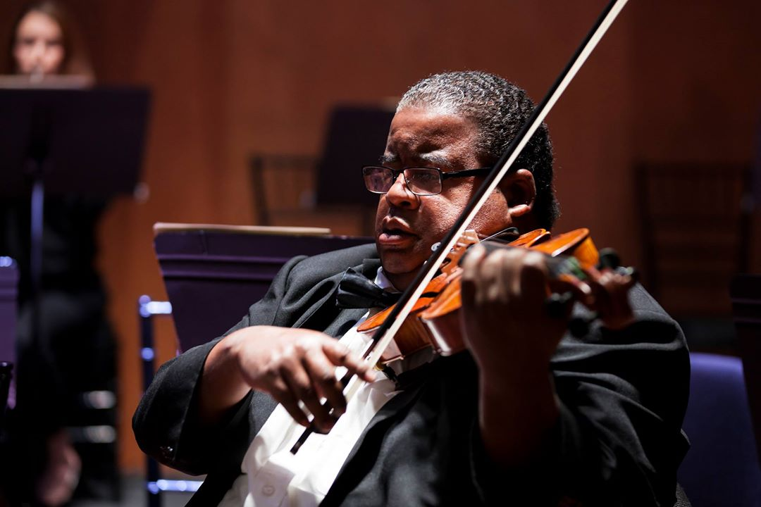 IN PERFORMANCE: violist CHAUNCEY PATTERSON, Mozart interpreter with Amernet String Quartet at Elon University on 14 March 2019 [Photograph © by Palm Beach Symphony Orchestra]