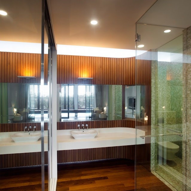 Beautiful home in Singapore, bathroom