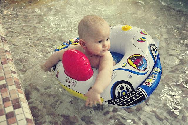 kółko-do-pływania-dla-niemowlaków