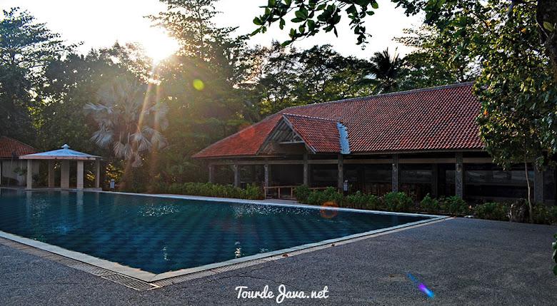 sebuah resort di Ciputih Beach