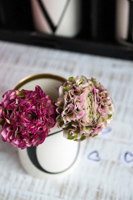 Love, Mugs, Flowers, Blumendeko, Frühlingsblumen, Valentinstag Dekoidee, Nicole Mohrmann