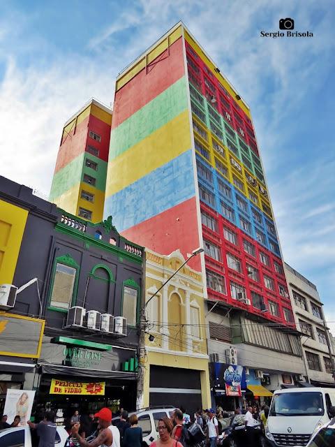 Vista ampla da fachada e lateral da Galeria Pagé - Centro - São Paulo