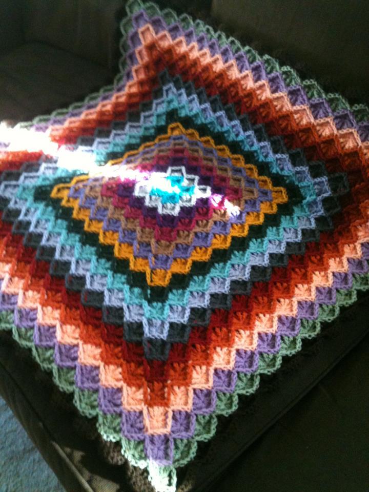 Bizzy Crochet Catherine S Wheel Afghan