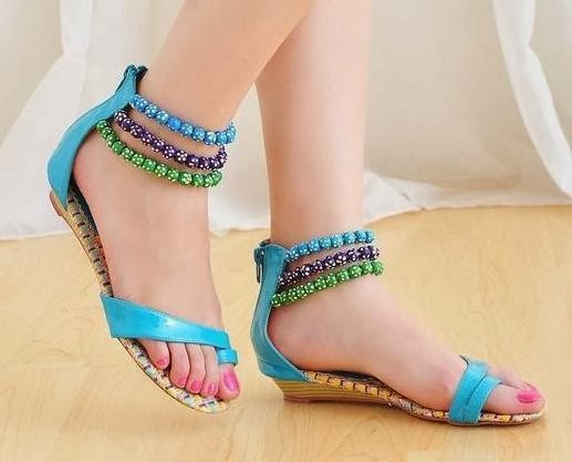 e86b9da5e61af New flat sandals are available a good style of colors and patterns to suit  the ladies with completely different preferences and match different  clothes in ...