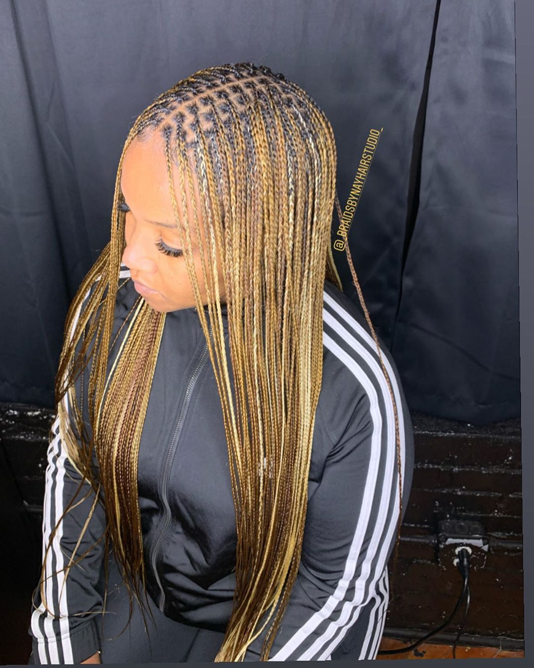 29 Trendy Black And Blonde Small Box Braids To Copy In 2020 Styleuki Check out our blonde knotless braid selection for the very best in unique or custom, handmade pieces from our shops. 29 trendy black and blonde small box