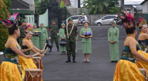 Danrem 061/SK Laksanakan Kunjungan Kerja di Yonif 315/Garuda