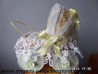 rattan, chrzest, ślub, kwiaty, gumokoronka, koła