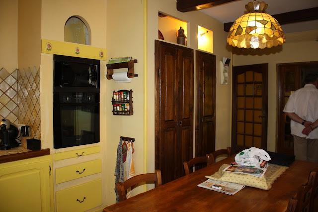 Changement de d cors la cuisine peinture mur et patine des portes de cuisine - Peinture porte cuisine ...