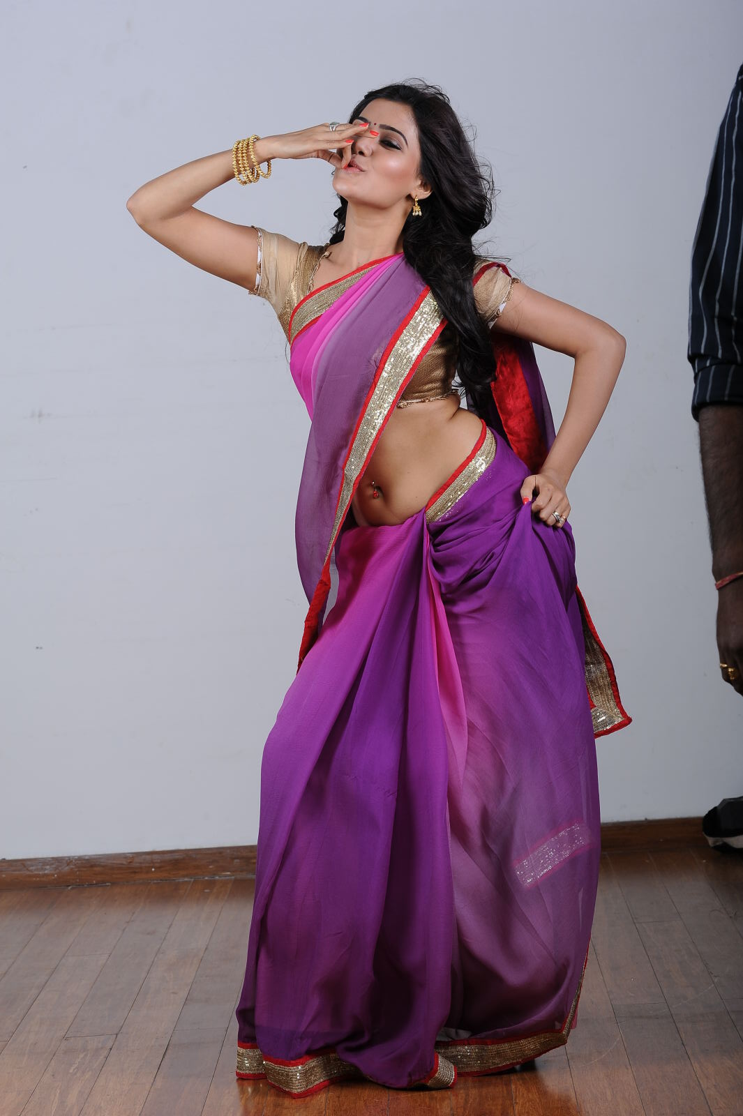 gorgeous Samantha ruth prabhu in purple saree latest photos in saree