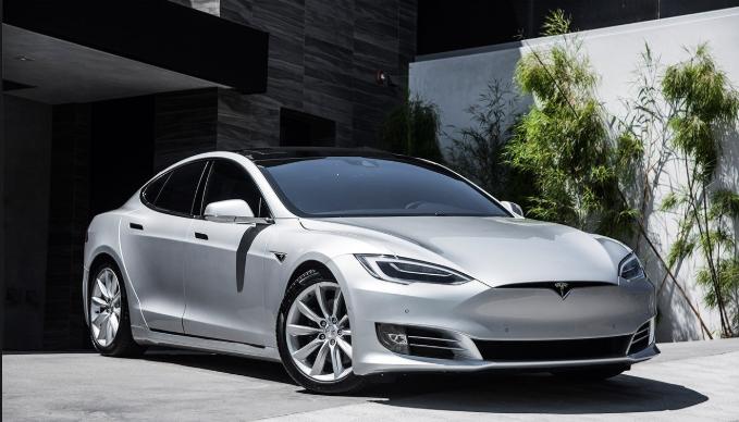 Hackers podrian robar autos Tesla modelo S en Segundos