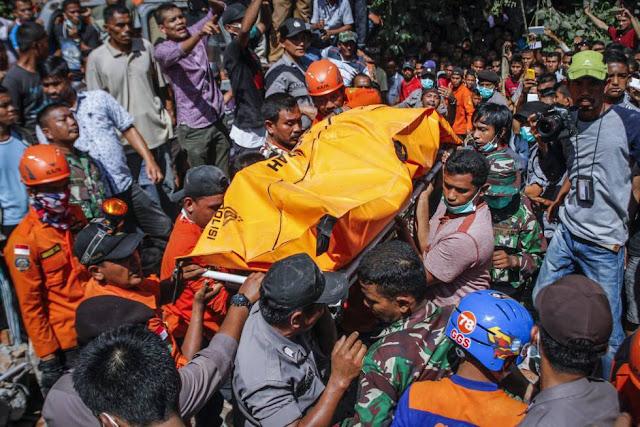 Fotos terremoto Indonesia puede superar el centenar de muertos