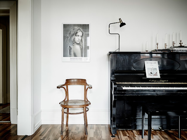 Piano, Paolo Roversi vintage chair