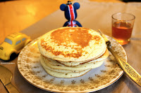 http://cookalifebymaeva.blogspot.fr/2013/05/the-real-pancakes.html