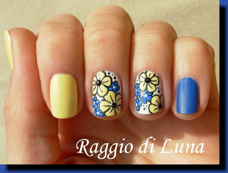 Resultado de imagem para blue and yellow nails