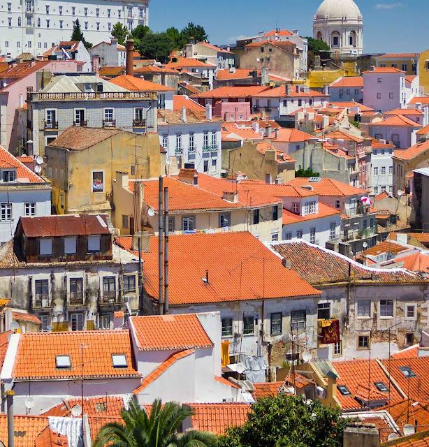 Recebe mais sol em Lisboa? Pague mais seu 'rico' desigual consumidor das energias planetárias!!!