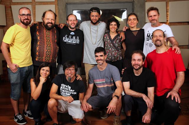 """Emicida e o grupo de musica corporal Barbatuques lançam em parceria nova versão para """"Levanta e Anda"""""""