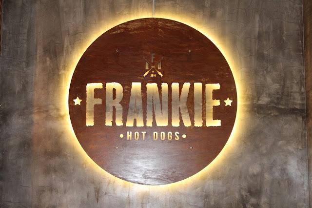 Frankie Hot Dogs Saldanha [Lisboa, Portugal]