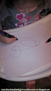 Using washable markers in toddler school