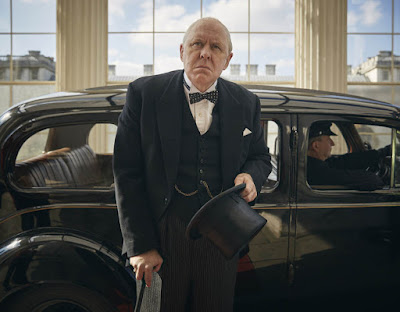 John Lithgow as Winston Churchill in The Crown (17)