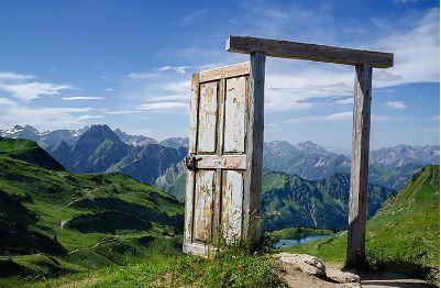 Resultado de imagen para puertas que se abren