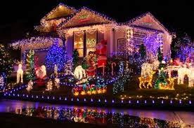 Iluminar la casa en Navidad