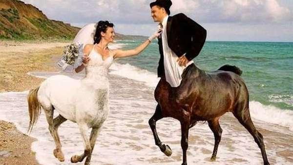 12 Worst Wedding Photos