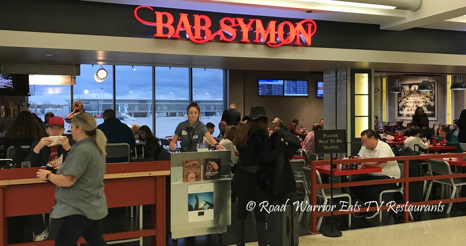 Bar Symon Cleveland Hopkins International Airport Cle Road