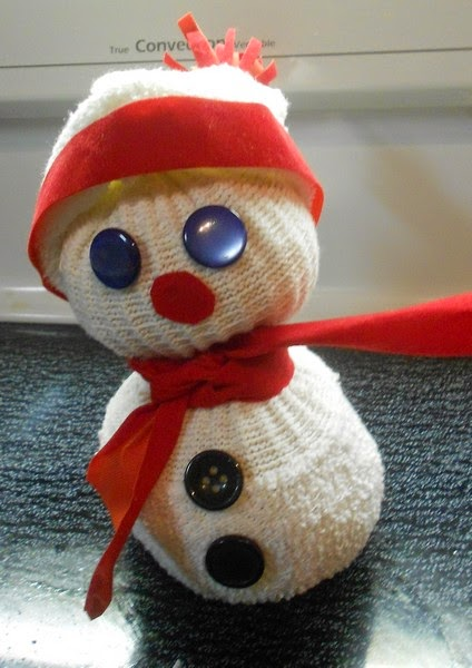 bri coco de lolo bonhommes de neige avec une vieille chaussette. Black Bedroom Furniture Sets. Home Design Ideas