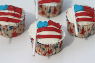 Wordless Wednesdays: Memorial Day Cupcakes