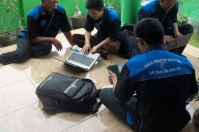 Memahami Peran Strategis Operator Sekolah