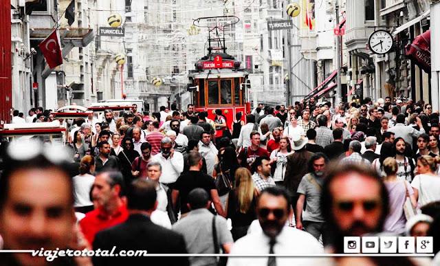 Avenida Istiklal de Estambul, Turquia
