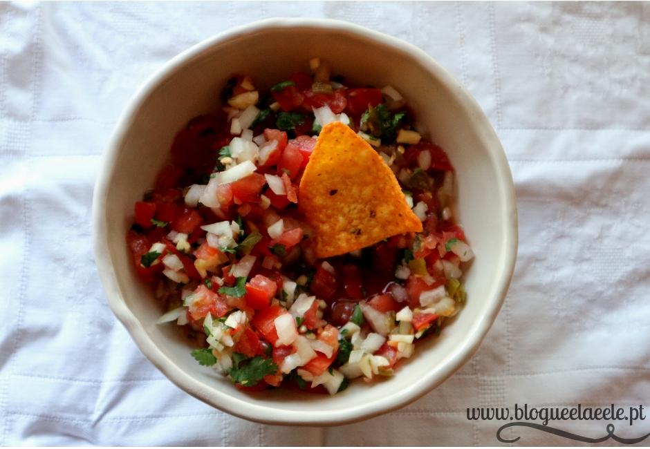 salsa pico de galo + molho mexicano + aperitivo + do México + comida colorida + comida para festas + jantar de amigos + blogue português de casal + pedro e telma + blogue ela e ele + ele e ela