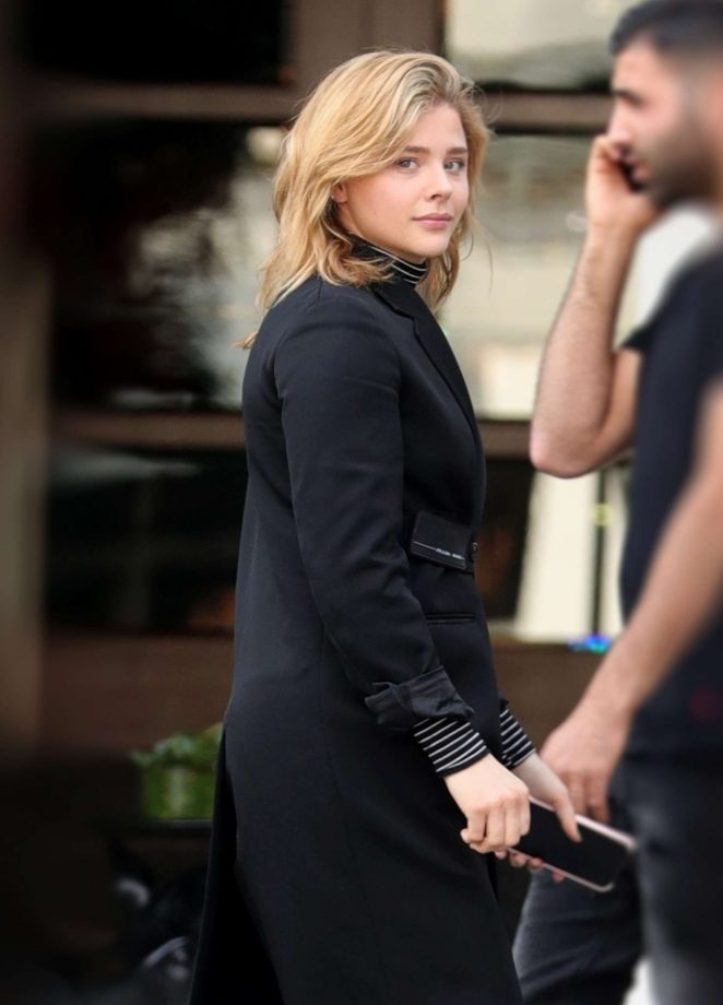 Chloe Grace Moretz Looks Hot in Black Outfit