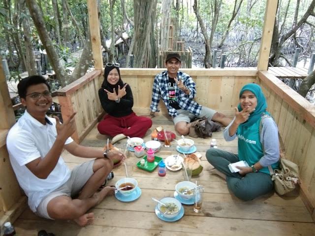 Menikmati Kuliner dari Wisata Mangrove Pandang Tak Jemu