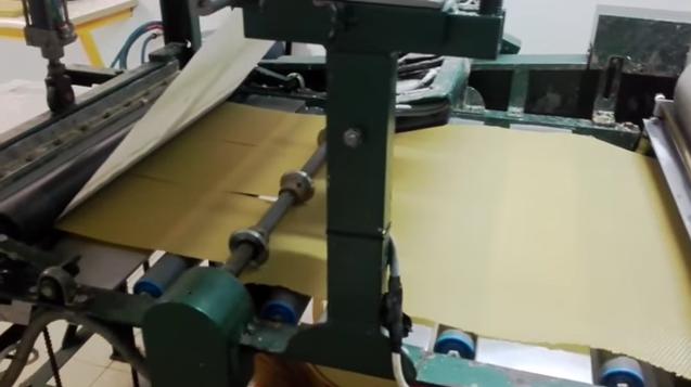 Μελισσοκομική Μπάρκας: Ο MELISSOCOSMOS μπήκε στα εργαστήρια της εταιρείας και κατέγραψε με την κάμερα του, πως βγαίνει η βανίλια και οι κηρήθρες!!! VIDEO
