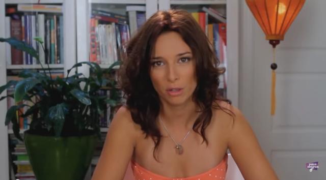 Cris (Sharay Fernández)