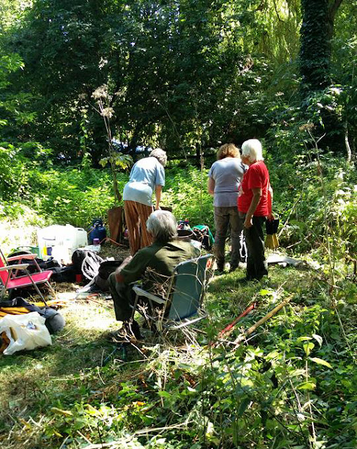 Peterborough Conservation Volunteers break for tea