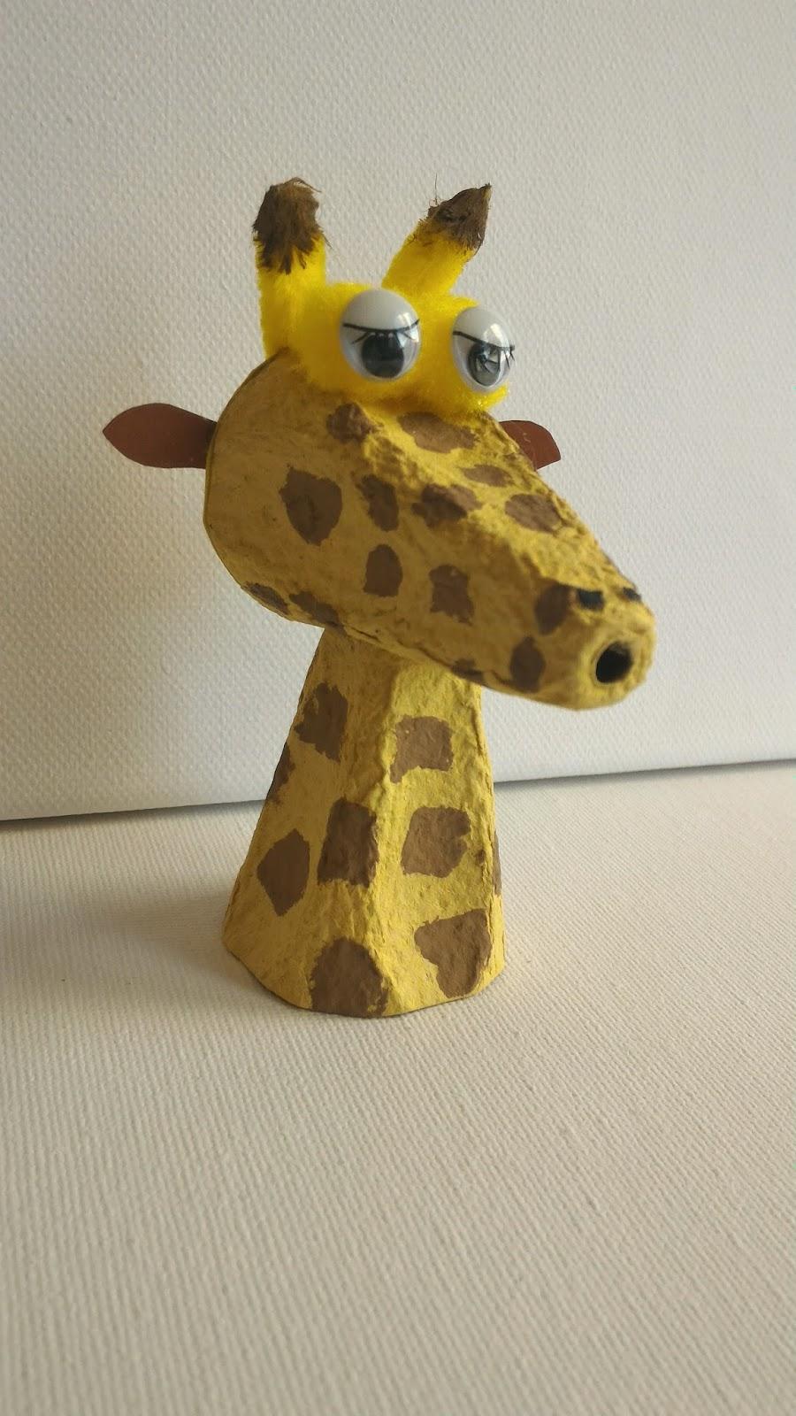 Chagaz 39 et vous diy faire une girafe avec une boite d 39 oeuf for Prix d une girafe a poncer