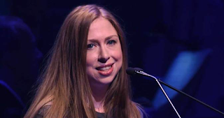 Chelsea Clinton Gets Another Award, This Time for Handing Out Grapefruits to the Homeless