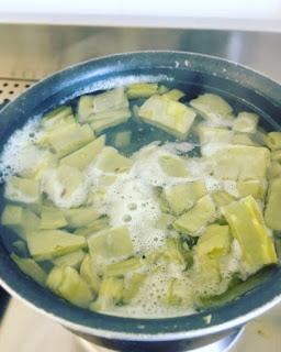 Costillas de puerco en salsa verde con nopalitos