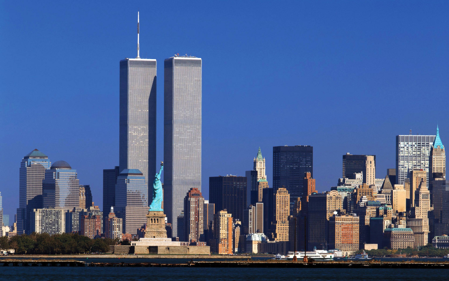 http://3.bp.blogspot.com/-DGpFltpnnEY/TjKbL-IhUpI/AAAAAAAAAl0/GWEFLqQ5_I8/s1600/new_york_wallpaper.jpg