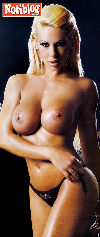 Praia brava playboy tv threesome erotic scenes mfm - 2 9