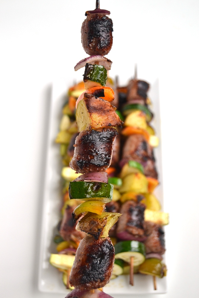 Grilled Bratwurst Kebabs are simple to make and are loaded with flavorful beer brats, bell peppers, onions, potatoes and zucchini for the perfect meal! www.nutritionistreviews.com