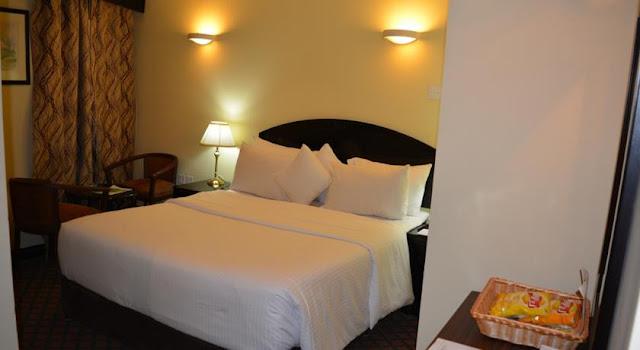 فندق Sandras Inn