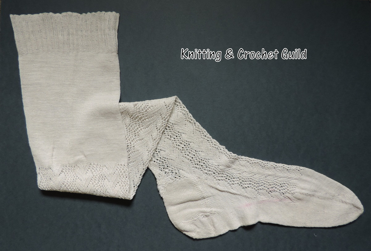 Knitting Now And Then Leaf And Trellis Stockings