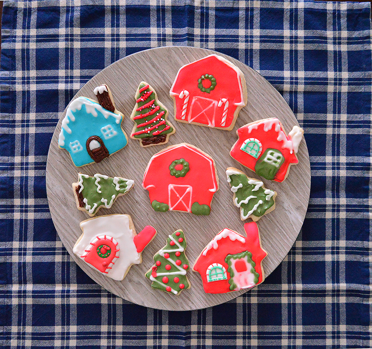 Christmas sugar cookie red barn and sugar cookie house