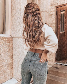 hermosa trenza larga cabello rubio