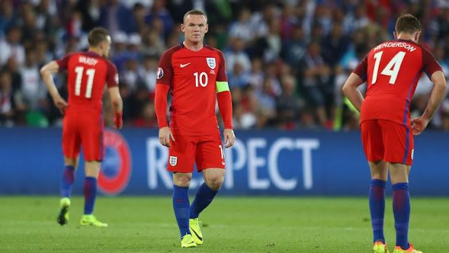 Menyandang Ban Kapten atau Tidak, Rooney Bertahan di Timnas Inggris